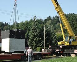 Anlieferung der Pumenanlage in Fertigbauweise