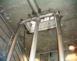 Rohleitungen der Abwasserpumpenstation